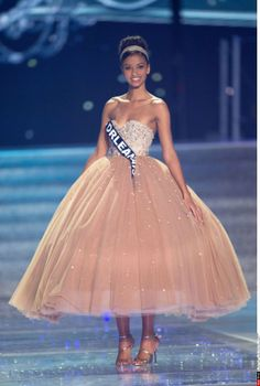 Flora Coquerel _ Election Miss France 2014