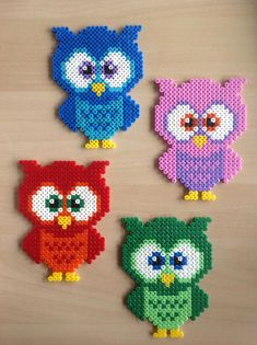 Hama pearls - there are children's memories awake. Today, the beads can be used for everyday items.Informations About Hama Bügelperlen - da werden Kinder-Erinnerungen wach. Hama Beads Design, Diy Perler Beads, Perler Bead Art, Pearler Beads, Fuse Beads, Owl Perler, Perler Bead Designs, Melty Bead Patterns, Pearler Bead Patterns