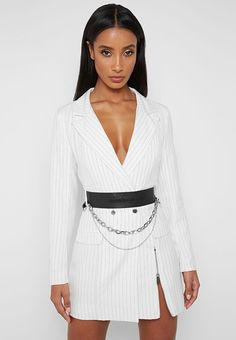 Manière De Voir's latest collection of on-trend women's clothing, from cargo to corsets and bodysuits to jumpsuits. A masterclass in modern fashion and style. Blazer Outfits, Blazer Dress, Edgy Outfits, White Outfits, Mode Outfits, Classy Outfits, Dress Outfits, Fashion Outfits, Dresses