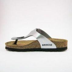Prachtige zilveren Birkenstock sandalen met gezondheidsvoetbed.