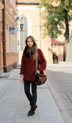 Fall sweater. College Fashion.
