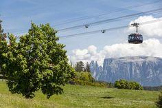 Panoramafahrt mit der Rittner Seilbahn Vista panoramica con la funivia del Renon Panoramic trip with Renon's cable car www.ritten.com