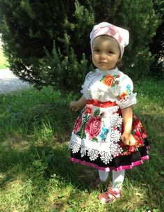 I give you MORE children in costumes just because. Precious Children, Beautiful Children, Beautiful Babies, Little Doll, Little Girls, Baby Dirndl, Folk Costume, Costumes, Cute Kids