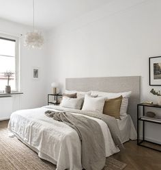 C: Creating a Bedroom Haven with White Walls + Warm Neutrals / pinned by : T.C: Creating a Bedroom Haven with White Walls + Warm Neutrals / pinned by White Wall Bedroom, Dream Bedroom, Home Bedroom, Modern Bedroom, Bedroom Decor, Bedroom Photos, Bedroom Ideas, Design Bedroom, Scandinavian Style Bedroom