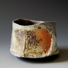 Akira Satake discusses the moments throughout his life that come together to create his body of work from photographer to musician to ceramic artist. Akira S. Slab Pottery, Pottery Mugs, Ceramic Pottery, Pottery Art, Japanese Ceramics, Japanese Pottery, Ceramic Cups, Ceramic Art, Porcelain Ceramic