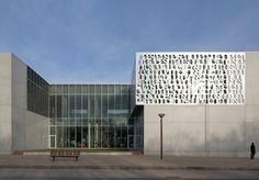 Médiathèque BDIV de Fougères library exterior