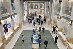 """""""CentroCentro"""", el espacio cultural de la plaza de Cibeles. Muchas exposiciones y otros servicios gratuitos. Visita gratuita al mirador: primer miércoles de cada mes."""