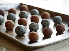 Raw Vegan Peppermint Chocolate Truffles