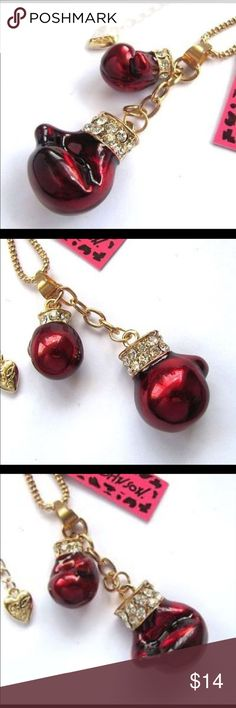 🥊BETSEY JOHNSON BOXING GLOVES NECKLACE! 🎖 Great for that boxing fan or someone that's overcome an adversity! The boxing gloves dazzle in red & set with crystal accents on the cuffs! High Quality! Betsey Johnson Jewelry Necklaces