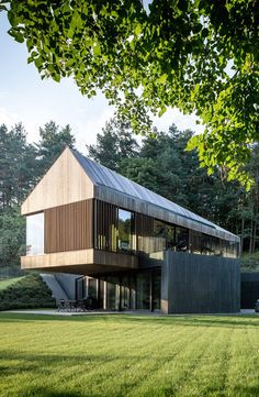 Contemporary Villa Surrounded by Lush Forest in Vilnius, Lithuania Architecture Durable, Residential Architecture, Contemporary Architecture, Architecture Design, Contemporary Barn, Modern Barn House, Modern House Design, Forest House, Villa Design