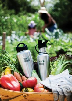 a83c7a2af0db9 KLEAN KANTEEN Classic Insulated Water Bottle Klean Kanteen Insulated