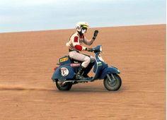 Vespa at Dakar Rally? Moto Vespa, Piaggio Vespa, Lambretta Scooter, Vespa Scooters, Vespa Px 200, Ktm 450, Vespa Retro, Vintage Vespa, Vintage Travel