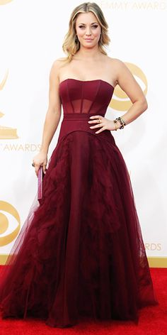 Kaley Cuoco in Vera Wang - Emmy Awards 2013 : Look of the Day - September 22, 2013