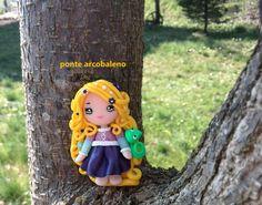 Collana  Rapunzel fan art/ bambolina in fimo/ handmade/ paste polimeriche/ dollina/ principessa/ di PonteArcobaleno su Etsy