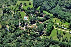 #Camping La #Fage ligt op een heuvel in een bosrijke omgeving, bij het plaatsje La #Chapelle-#Aubareil in de #Dordogne. Lees alles over #Camping La #Fage op #zonnigzuidfrankrijk.nl!