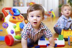 Wenn das Kind das erste Mal in die Krippe oder in die Tagespflege geht, soll es…