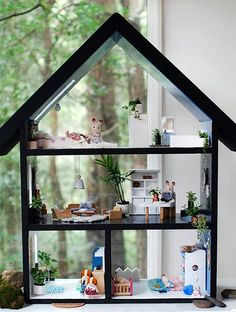 <p>Here's a fun project that Lisa and I recently worked on together with leading specialty paint brand, White Knight. We took a tired old doll house and turned it into a contemporary Scandi-style summer house – with a roof that doubles as a chalkboard! White Knight Paints has recently launched #WhiteKnightRevive – a series of […]</p>