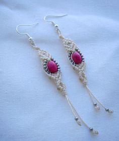 Boucles d'oreilles élégantes roses et blanches en macramé : Boucles d'oreille par stonanka