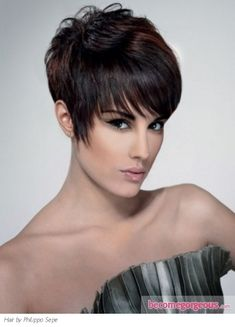 Pictures : Short Hairstyles - Short Pixie Hair Style