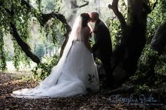 Lyndhurst Castle is the home of this Heart Tree and it is a favorite shot of mine. I love working at this #venue, there are so many great locations that are just waiting to be found. #westchester #photography #christophersstudio #wedding #bride #groom #kiss #lyndhurstcastle #naturallight