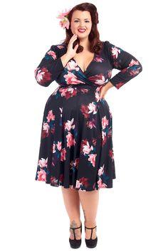 Šaty Lady V London Lyra Elegant Anemone Floral Šaty ve stylu 50. let pro plnoštíhlé dámy. Krásné šaty, které využijete pro spoustu příležitostí - můžete si v nich vyjít na svatbu, do společnosti, vzít si je na dovolenou, ale stejně tak i do zaměstnání.S kratším sáčkem či pašmínovým šálem je unosíte i v chladnějším období. Záleží jen na tom, s jakými doplňky je zkombinujete.