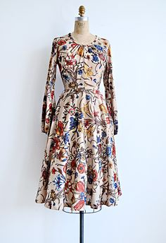1970s bohemian floral day dress #myfairlady #showme #seventies