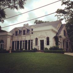Limestone & Boxwoods - Instagram (@limestoneboxwoods) - Classic Atlanta house in Ansley Park designed by architect Neel Reid.