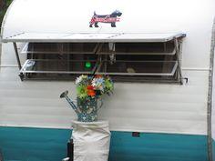A Scottie!  The very first camper we ever camped in!  Ah....memories.....~