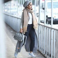 Riva fashion by Asia Akf – Just Trendy Girls Street Hijab Fashion, Muslim Fashion, Modest Fashion, Fashion Outfits, Turban Outfit, Turban Style, Turban Hijab, Riva Fashion, Look Fashion