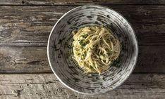 Μακαρονάδα με τέσσερα τυριά από τον Άκη Πετρετζίκη – Ένα πιάτο απλό και νόστιμο για ερωτευμένους | Gossip-tv.gr Kai, Cabbage, Pasta, Vegetables, Ethnic Recipes, Food, Lifestyle, Essen, Cabbages