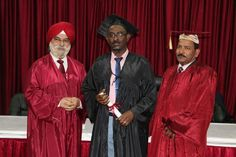 Dr. Mohamed Yassin Mohamed Ali receiving certificate of Diploma in Minimal Access Surgery at World Laparoscopy Hospital. For more detail please log on to www.laparoscopyhospital.com