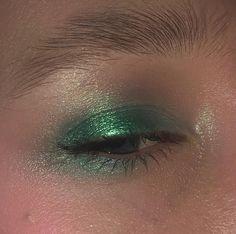 Best Natural Eye Makeup For Brown Eyes Makeup Inspo, Makeup Art, Makeup Inspiration, Makeup Tips, Makeup Hacks, Makeup Videos, Glossy Makeup, Skin Makeup, Sleek Makeup