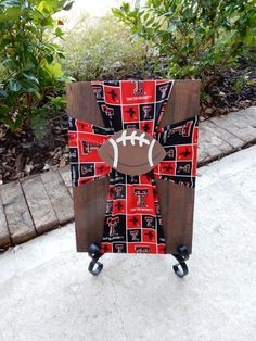 Texas Tech Fabric Cross on Wood with Football by FabricCrossDecor Texas Tech Baby, Texas Tech Football, Texas Tech Red Raiders, Crosses Decor, Wood Crosses, Tech Gifts, Diy Gifts, Cross Pictures, Rustic Cross