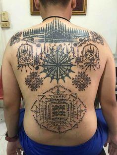Khmer Tattoo, Thai Tattoo, Sak Yant Tattoo, Cool Tattoos, Tattoo Designs, Thailand Tattoo, Coolest Tattoo, Tattooed Guys, Tattoo Patterns