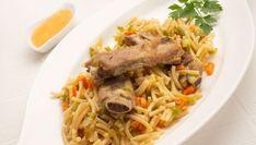 Fideos con verduras y costilla de cerdo Snacks, Japchae, Spaghetti, Beef, Ethnic Recipes, Food, Youtube, Noodle Recipes, Vegetables