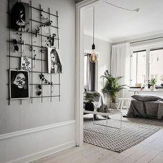 One more from last weeks work for @skandiamaklarna - Ernst Ahlgrens väg 4. Styling @scandinavianhomes  #interior #grått #hemnet #hay #blocketbostad #eames #inreda #finahem #bobedre #designklassiker #stockholm #danskdesign #svartochvitt #nordicinterior #skönahem #plazainteriör #residencemagazine #interior4all #brass #marble #mässing #sekelskifte #inredning #sekelskifte #ikea