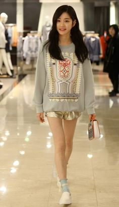Who Wore It Better: Minah vs. Lee Yu Bi   allkpop.com