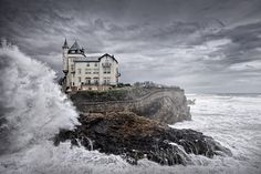 http://www.oldyoungsea.com/projects/biarritz-france-epicentre-of-european-surf-society/