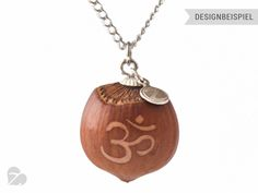 """Haselnuss Yoga Kette """"HaselKuss Om Symbol"""" #Z29 von Zimelie - Natürlicher Schmuck aus verzierten Nüssen auf DaWanda.com"""