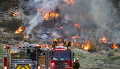 At least 17 000 firemen fought, on Friday, 30 major fires that burned dozens of hectares of forest and destroyed hundreds of buildings in many US states
