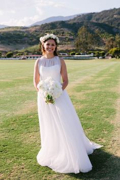 Simple and classic wedding dress | image by Yvette Roman