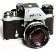 Camera Nikon F Com Photomic E Lente 1:4/50mm - R$ 850,00