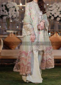 Pakistani White Dress, Pakistani Formal Dresses, Pakistani Fashion Party Wear, Pakistani Wedding Outfits, Pakistani Couture, Pakistani Dress Design, Indian Dresses, Stylish Dress Designs, Stylish Dresses
