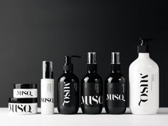 The Ultimate Anti-Aging Skin Care Routine MUSQ Natural Cosmetics — The Dieline - Branding & Packaging Skincare Packaging, Cosmetic Packaging, Beauty Packaging, Skincare Logo, Bottle Packaging, Product Packaging, Packaging Ideas, Coperate Design, Label Design