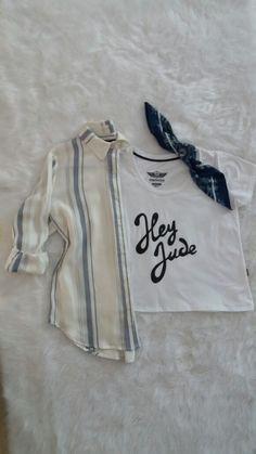 Camisa Rayada, Remera Hey Jude y Pañuelo. #Trendy