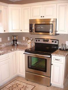 Stunning Farmhouse White Kitchen Cabinet Makeover Ideas – White N Black Kitchen Cabinets Kitchen Cabinet Remodel, Kitchen Cabinets Decor, Home Decor Kitchen, Kitchen Flooring, Rustic Kitchen, New Kitchen, Kitchen Design, Kitchen Ideas, Kitchen Backsplash
