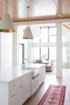 Kitchen Island with Farmhouse Sink. White kitchen island with white quartz countertop and farmhouse sink. That ceiling! Luxury Interior Design, Interior Exterior, Interior Design Kitchen, Layout Design, Küchen Design, Design Ideas, Design Inspiration, New Kitchen, Kitchen Decor