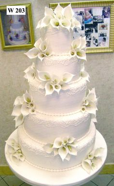 Carlos Bakery – Floral Wedding Cake Designs - New Site Floral Wedding Cakes, White Wedding Cakes, Elegant Wedding Cakes, Wedding Cake Designs, Cake Wedding, Beautiful Wedding Cakes, Gorgeous Cakes, Pretty Cakes, Amazing Cakes