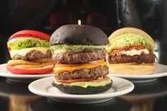 Aprenda a Fazer Black Burguer e o famoso Red Burguer com essa receita simples e um passo a passo bem explicativo. Como Fazer Pão de Hambúrguer Colorido