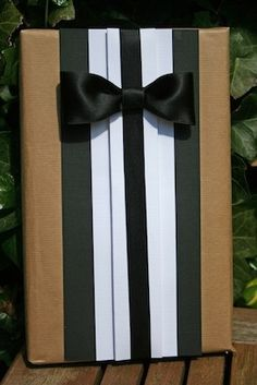 cute Gift Wrapping Idea for guys